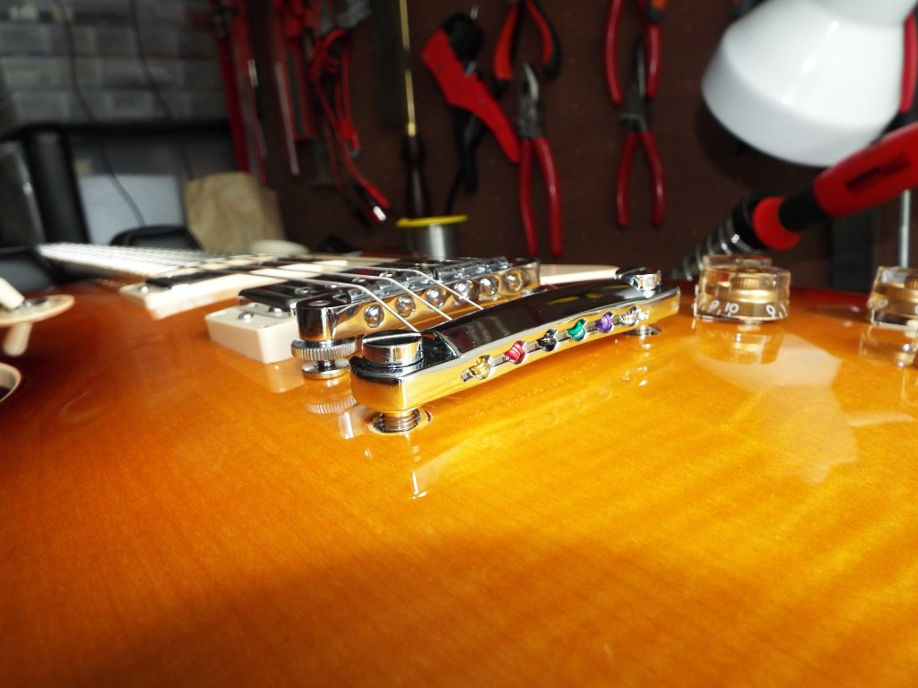 'Standard' stringing of the Les Paul