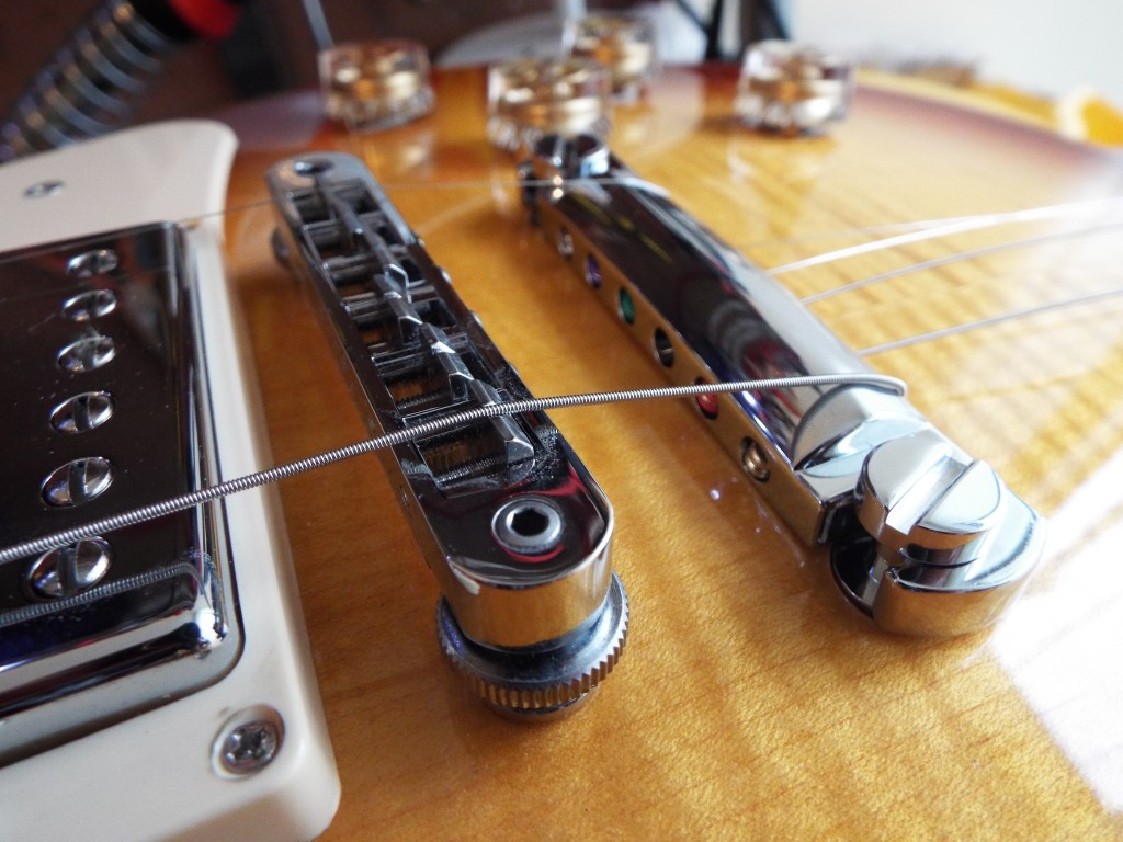 Top wrapping a Gibson Les Paul 2014 Traditional
