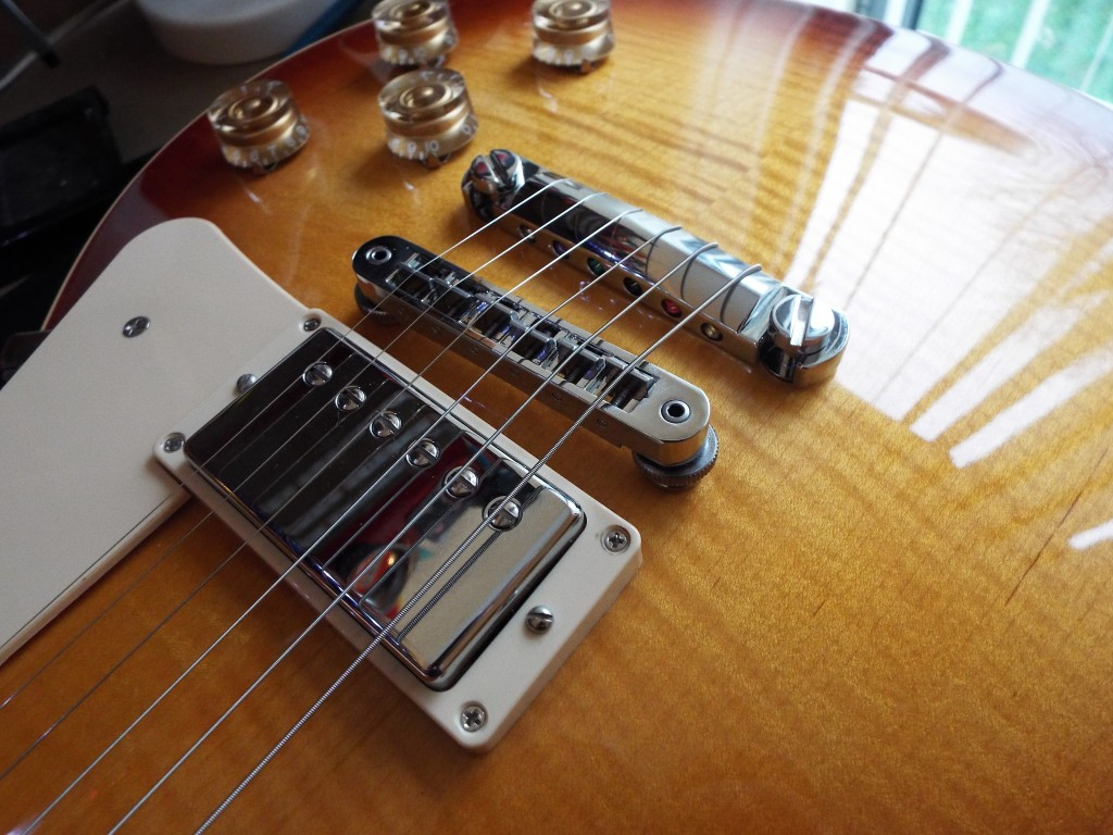 All strung up and ready to rock - The top strung Gibson Les Paul 2014 Traditional