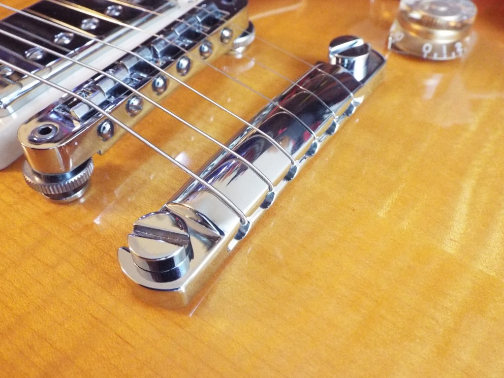 A different angle - Top wrapping on a Gibson Les Paul 2014 Traditional