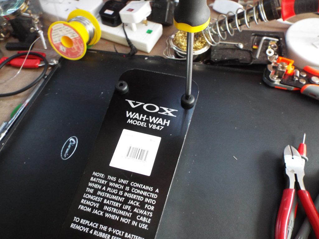 The unmodded Vox V847 wah-wah